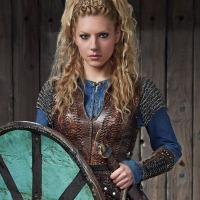 Katheryn Winnick (Vikings) peut vraiment vous botter les fesses